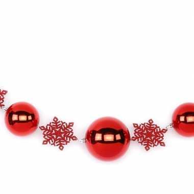 2x rode kerst raamslingers met ballen en sneeuwvlokken 116 cm