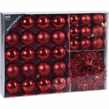 32x rode kerstballen 4-5-8 cm en kerstslinger folieslinger matte/glanzende/glitters kunststof/plastic kerstversiering