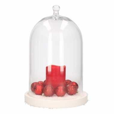 Diy kerstdecoratie stolp met led kaars en kerstballetjes rood