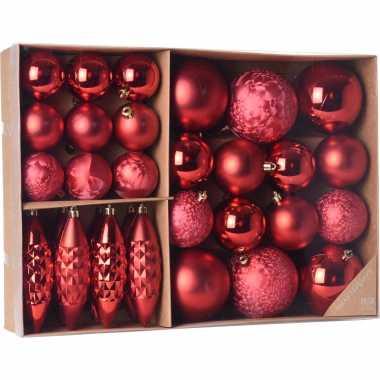 Kerstballen/ornamenten pakket 31x rode kunststof kerstballen mix