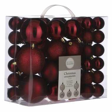 Kerstballenpakket 46x donkerrode kunststof kerstballen mix