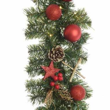 Kunst guirlande met lichtjes en kerstballen rood   Rode-kerstballen.nl