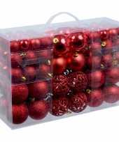 4x stuks pakket met 100x rode kerstballen kunststof 3 4 en 6 cm