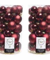 60x donkerrode kerstballen 4 5 6 cm glanzende matte glitter kunststof plastic kerstversiering